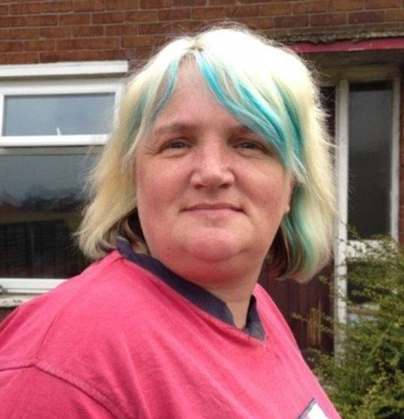 2785AF7F00000578-3036853-Brave_Mandy_Greenwood_has_spoken_out_about_her_father_who_abused-m-6_1428931423022
