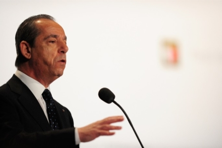 gonzi-denies-receiving-oil-trader-emails-from-security-service-member-20131015