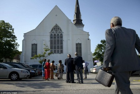 29D5A55900000578-3133350-Difficult_time_Emanuel_African_Methodist_Episcopal_Church_opened-a-28_1434893727986